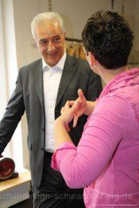Intensives Gespräch zwischen MP Stanislaw Tillich und GF Ulrike Schröder-Schubert
