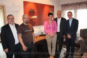 Gruppenbild mit MP Stanislaw Tillich, LR Frank Vogel, MdL Alexander Krauß, GF Ulrike Schröder-Schubert und Schuhmacher Bernd Werner